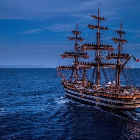 Amerigo Vespucci: il veliero torna in mare, con gli Igers a bordo