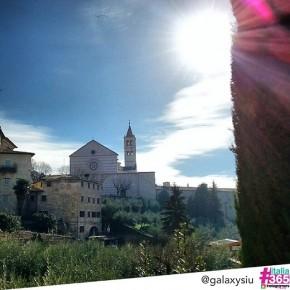 foto scelta per #italia365 – Basilica di Santa Chiara (Assisi) – @galaxysiu