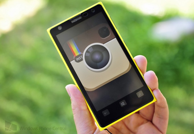 Il Lumia 1020 e Instagram per Windows