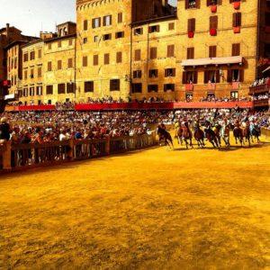 Il Palio di Siena su Instagram con Instagramers Siena