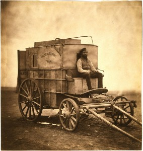 Il carro delle attrezzature fotografiche di Roger Fenton
