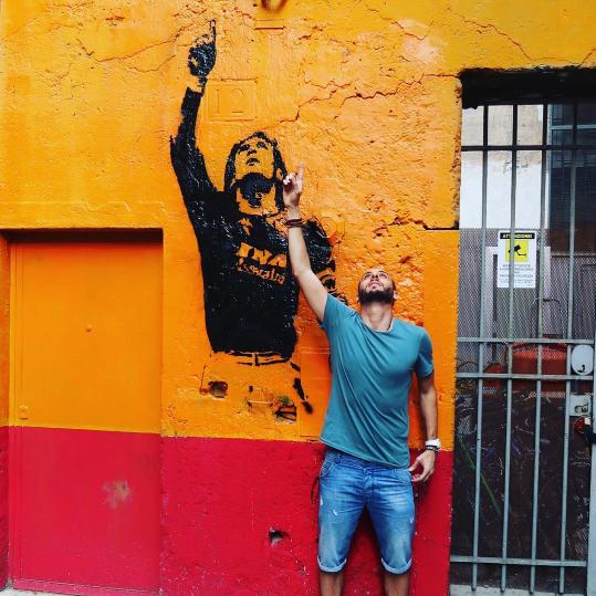 #TottiDay: l'omaggio viaggia sui muri di Roma e sui social