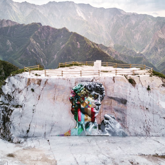 Il David nelle cave di Carrara è opera di Kobra
