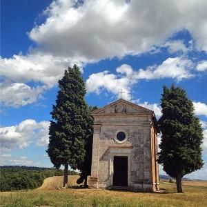 Un altro simbolo della Toscana, la Cappella di Vitaleta in Val d'Orcia tra Pienza e San Quirico d'Orcia