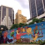 Un murales dei Os Gemeos e Nunca a San Paolo, Brasile