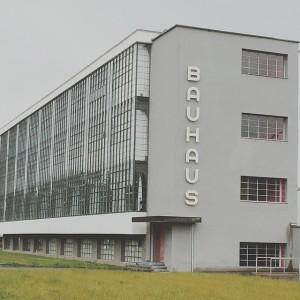 """La """"Scuola superiore di creazione di Dessau"""". Foto @simonesmelt"""
