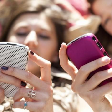 Instagram e Facebook: come cambia l'interazione sui due social