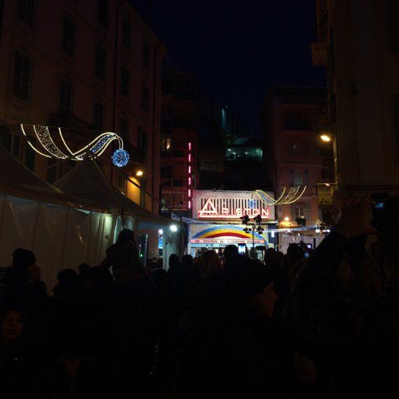 Festival di Sanremo 2018: folla davanti al Teatro in attesa di entrare
