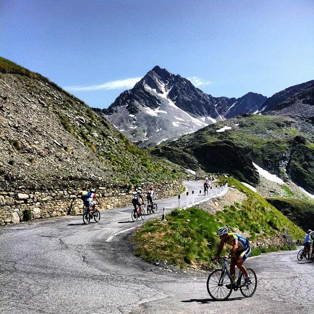 Colpi di pedale e Instagram all'Rhxdue – Contador