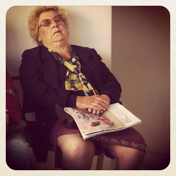 Siediti nonna, che ciò da spiegatti Instagram