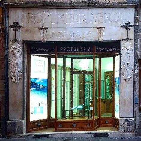 #luccainsegne: un viaggio alla riscoperta delle insegne storiche lucchesi
